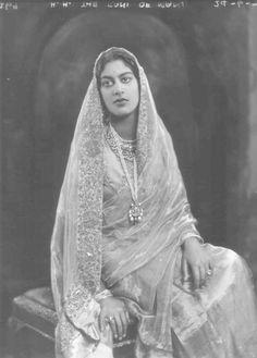 Vintage India - Rani of Mandi for The Gentlewoman, ca. Turbans, Jaisalmer, Udaipur, Vintage India, Retro Vintage, Freedom Fighters, Women In History, Vintage Beauty, Vintage Romance