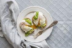 Zastřené vejce: Recept a podrobný návod, jak ho připravit Avocado Toast, Tacos, Eggs, Breakfast, Ethnic Recipes, Food Ideas, Breakfast Cafe, Egg, Egg As Food