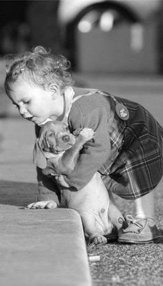 We Love Kids And Everything About Them Pics). Funny photos of kids just being kids. Photos of kids that will make your day. So Cute Baby, Cute Kids, Baby Animals, Cute Animals, Tier Fotos, Jolie Photo, Mans Best Friend, Puppy Love, Fur Babies