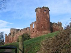 Bothwell Castle from the Clyde Walkway - geograph.org.uk - 341669 - Clan Murray…
