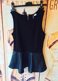 A vendre sur #vintedfrance ! http://www.vinted.fr/mode-femmes/autres-hauts/16503972-haut-peplum-hm-bi-matiere-simili-cuir-neuf