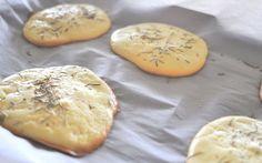 Der neueste Foodtrend lässt uns vor Freude aufschreien. Aber nur kurz, wir sind zu sehr damit beschäftigt, dass leckere Cloud Bread zu verschlingen. Hier ist das Rezept…