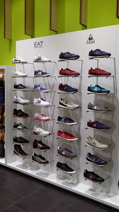 220 best shoes shop interior design images in 2018 Interior Design Images, Shop Interior Design, Interior S, Shoe Store Design, Shoe Shop, Shoe Display, Display Design, Visual Merchandising, Store Interiors