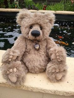 Charlie Bear Brizzy. 2008 Isabelle Lee collection