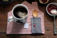 little placemats  set of 4 by pollaz on Etsy, $30.00              maybe make a horse one