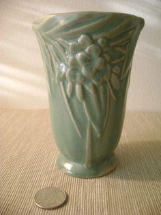 Nelson McCoy Pottery Vase / Matte Green