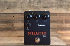 The Stiletto from @buffalofx is based on the Fuzz face circuit with the ability to cut low end from the front, the tonal possibilities are huge. Fitted with a 3rd germanium stage it's possible to roll of those often unwanted lows but still feel like you're playing a fuzz with full low frequency passing it gets as close as possible to my NKT loaded fuzz and then gave it a slightly more pronounced midrange response to help cut through. Roll the cut control forward and the fat low end decreases…