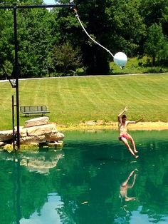 How to make a rope swing over water howsto co for Swing over water