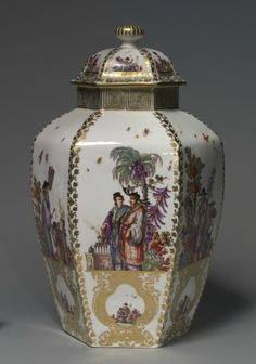 Covered Vase, c. 1728-1730, manufacturer Meissen Porcelain Factory, porcelain, Overall - h:37.50 w:23.80 cm (h:14 3/4 w:9 5/16 inches). Andrew R. and Martha Holden Jennings Fund 1986.10, Cleveland Museum of Art © 2013 Cleveland Museum of Art.