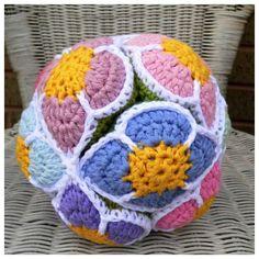 Crochet flower ball pattern ( Amish puzzle ball pattern)