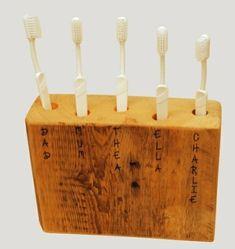 DIY Zahnbürstenhalter Ideen holz wand befestigt notiert