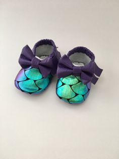 These adorable baby girl moccasins are perfect for a summer outfit or special occasion. The mermaid scale material changes color at different angels. These are soft sole shoes perfect for infant and beginner walkers. Since these are soft sole it is not recommended that theses be worn