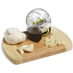 Garlic Zoom . . . Garlic Chopper!