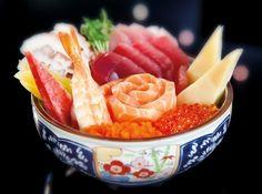 Tirashi Sushi - Veja mais em: http://www.cybercook.com.br/receita-de-tirashi-sushi.html?codigo=4227
