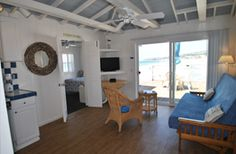 Crystal Pier Hotel Cottages   San Diego Beach Hotels Over The Ocean