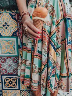 Lena Hoschek Cruise Collection Amalfi Skirt // Pictures by Irina & Rares Peicu  #lenahoschek #lenahoschekcruisecollection #cruisecollection #italyvibes #holidaymood #vacationoutfit #summerskirt #holidayskirt #postcardprint #summerdetails