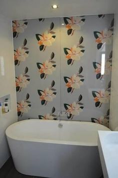 Make your #bathroom stand out from the crowd? Customise your bathroom with a stunning and unique digitally printed bathroom splashback from Prints On Glass.