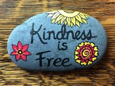 Kindness is free rock rock painting rock painting designs, painted rock Rock Painting Patterns, Rock Painting Ideas Easy, Rock Painting Designs, Painting For Kids, Dot Painting, Painting Tips, Pebble Painting, Pebble Art, Stone Painting