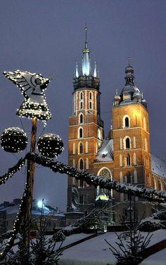 Christmas in Kraków, Poland (by bazylek100 on Flickr)