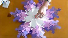 Giant Paper Flower Snowflake Template And Tutorial How To Make ! riesige papierblumen-schneeflocke-schablone und tutorial, wie man macht Giant Paper Flower Snowflake Template And Tutorial How To Make ! Paper Snowflake Template, 3d Paper Snowflakes, Flower Template, Snowflake Origami, Paper Snowflake Designs, Snowflake Party, How To Make Snowflakes, Frozen Snowflake, Snowflake Craft