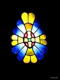 vitralls gaudi cripta - Cerca amb Google