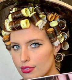 Velcro Hair Rollers, Sleep In Hair Rollers, Vintage Hairstyles, Braided Hairstyles, Roller Set Hairstyles, Vintage Hair Salons, Wet Style, Wet Set, Hair Setting