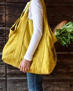 Discover thousands of images about Nice big overnight bagOversized canvas tote in bright yellowNew fashion mixed color backpack&shoulder bag(linen material) – BuykudPin by Dream Interpretation on Random stuffQue tal uma bolsa grande? Sacs Tote Bags, Big Tote Bags, Canvas Tote Bags, Purses And Bags, Canvas Shopping Bags, Canvas Totes, Diy Sac, Linen Bag, Denim Bag