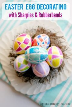 Easter Egg Decorating Idea Using Sharpies! No messy dyes used in this one - you just need rubberbands, sharpies, and glitter glue! Easter Crafts For Kids, Easter Ideas, Easter Decor, Easter Food, Easter Brunch, Fun Crafts, Sharpie Crafts, How To Make Paper Flowers, Egg Decorating