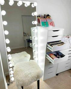 Cute Bedroom Decor, Bedroom Decor For Teen Girls, Room Design Bedroom, Stylish Bedroom, Teen Room Decor, Room Ideas Bedroom, Beauty Room Decor, Makeup Room Decor, Neon Room