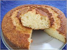 BIZCOCHO JUGOSO DE PIÑA - Cocinando con Goizalde Cornbread, Vanilla Cake, Banana Bread, French Toast, Gluten, Breakfast, Ethnic Recipes, Desserts, Food
