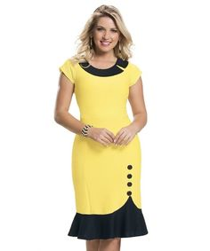 Vestido em Malha Piquet Amarejo e Preto African Print Fashion, African Fashion Dresses, African Dress, Fashion Outfits, African Wear, Office Dresses For Women, Dresses For Work, Clothes For Women, Simple Dresses