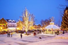 US Towns With Incredible Christmas Celebrations - The 20 best small towns to visit in the usa