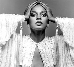 From Diana Ross and Bianca Jagger to Grace Jones, Jerry Hall and Kate Moss… Bianca Jagger, Divas, American Music Awards, Motown Records, Beautiful Black Women, Beautiful People, Mode Glamour, Vintage Black Glamour, Vintage Style