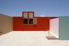 Casa M, Cañete. Sandra Barclay & Jean Pierre Crousse. 2001