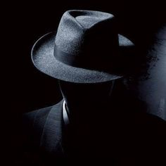 Film Noir Photography, Portrait Photography Men, Shadow Photography, Dark Photography, Artistic Photography, Couple Photography, Black And White Photography, Skulduggery Pleasant, Dark Wallpaper