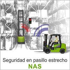 El sistema Seguridad para pasillo estrecho (NAS) es una solución que advierte a los conductores de las carretillas, mediante un semáforo, cuando hay otra carretilla en una zona de espacio reducido.