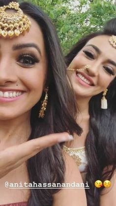💕Follow me Alizeh khan jannat29 for more 💕 Indian Tv Actress, Indian Actresses, Drama Queens, Saree Dress, Famous Celebrities, Cute Couples, Indian Fashion, Kardashian, Bollywood