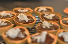 Hervé Cuisine was the first food channel launched in France in with now more than 400 recipes from all over the world. Mini Tart, Meals For One, Caramel Apples, Waffles, Biscuits, Muffin, Pie, Cookies, Breakfast