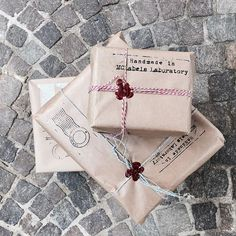 Ready to leave!! 📮  #mclabels #fashion #packaging #handmade #mclabelslaboratory #wrapping #orders #shoponline #package #ribbon #newspaper #vintage #laboratory #lotsofcare #loveourjob #wecare #turin #italy #madeinitaly
