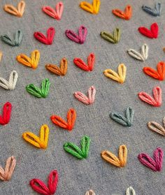 #creation #broderie #couture #faitmain #coeur #love #amour #positive #thought #quotes Diy Embroidery Patterns, Hand Embroidery Videos, Embroidery Stitches Tutorial, Hand Embroidery Flowers, Embroidery On Clothes, Hand Work Embroidery, Flower Embroidery Designs, Creative Embroidery, Simple Embroidery