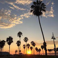 It's that time again #sunsetporn #discoverla #venicebeach #LAstory by dezistyle