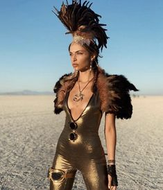 Like a phoenix , sometimes we need to reborn , renew and transform ourselves ✨ Boho Festival, Festival Outfits, Nyx, Burning Man People, Mohawk For Men, Rave Wear, Rock, Headdress, Feather