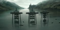 Harry Potter y la piedra filosofal se estrenó un viernes de noviembre de 2001, y el lunes siguiente todo el mundo estaba de vuelta al trabajo para rodar Harry Potter y la cámara secreta. La preprod…