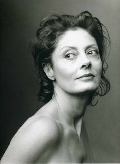 Susan Sarandon by Annie Leibovitz / portrait photography / legend! Black And White Portraits, Black And White Photography, Annie Leibovitz Photography, Annie Leibovitz Portraits, Beautiful People, Beautiful Women, Beautiful Dresses, Beautiful Pictures, Susan Sarandon
