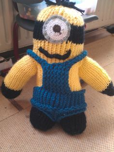Minion made on the knifty knitter round loom