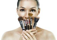 TodaEla - Aprenda como limpar seus pincéis de maquiagem