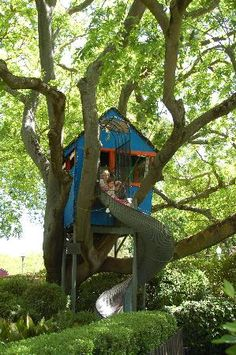Fun stuff to do in Sacramento, Ca Fairytale Town - House at pooh corner