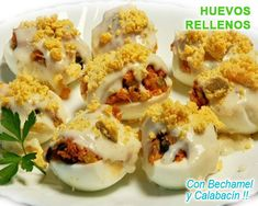 Eggs stuffed with bechamel, you will touch the sky without knowing it. Cocina Light, Bechamel, Huevos Rancheros, Tapas, Sushi, Tortillas, Appetizers, Eggs, Packaging