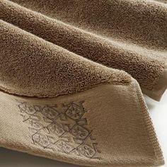 Gazel #Towels - Sufi Organic Towel Set $169.95 Bath Towels, Bath Mat, Monogram Towels, Luxury Towels, Turkish Towels, Sufi, Towel Set, Organic, Bathrooms