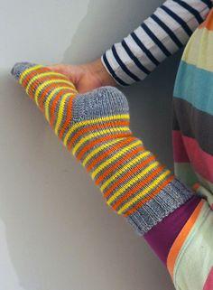 Wool Socks, Knitting Socks, Hand Knitting, Knitting Patterns, Knit Art, Fashion Socks, Knitting Projects, Clothing Patterns, Sewing Crafts
